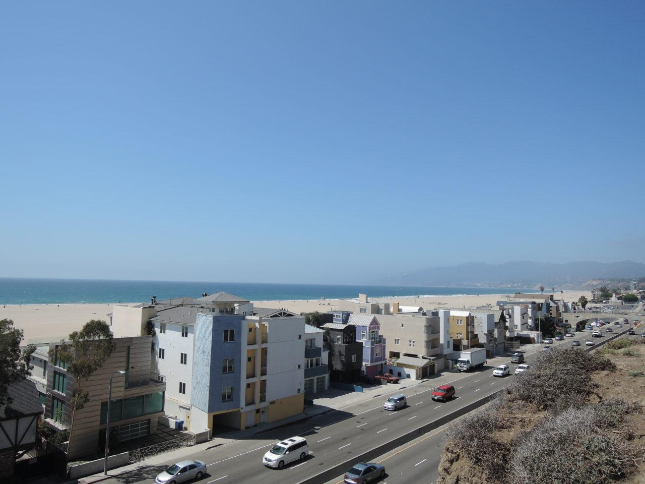 text-blog-santa-monica-beach-7